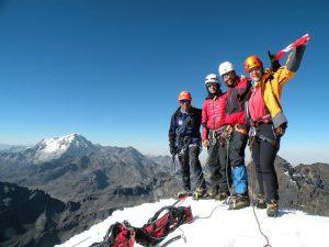 Pequeno Alpamayo summit